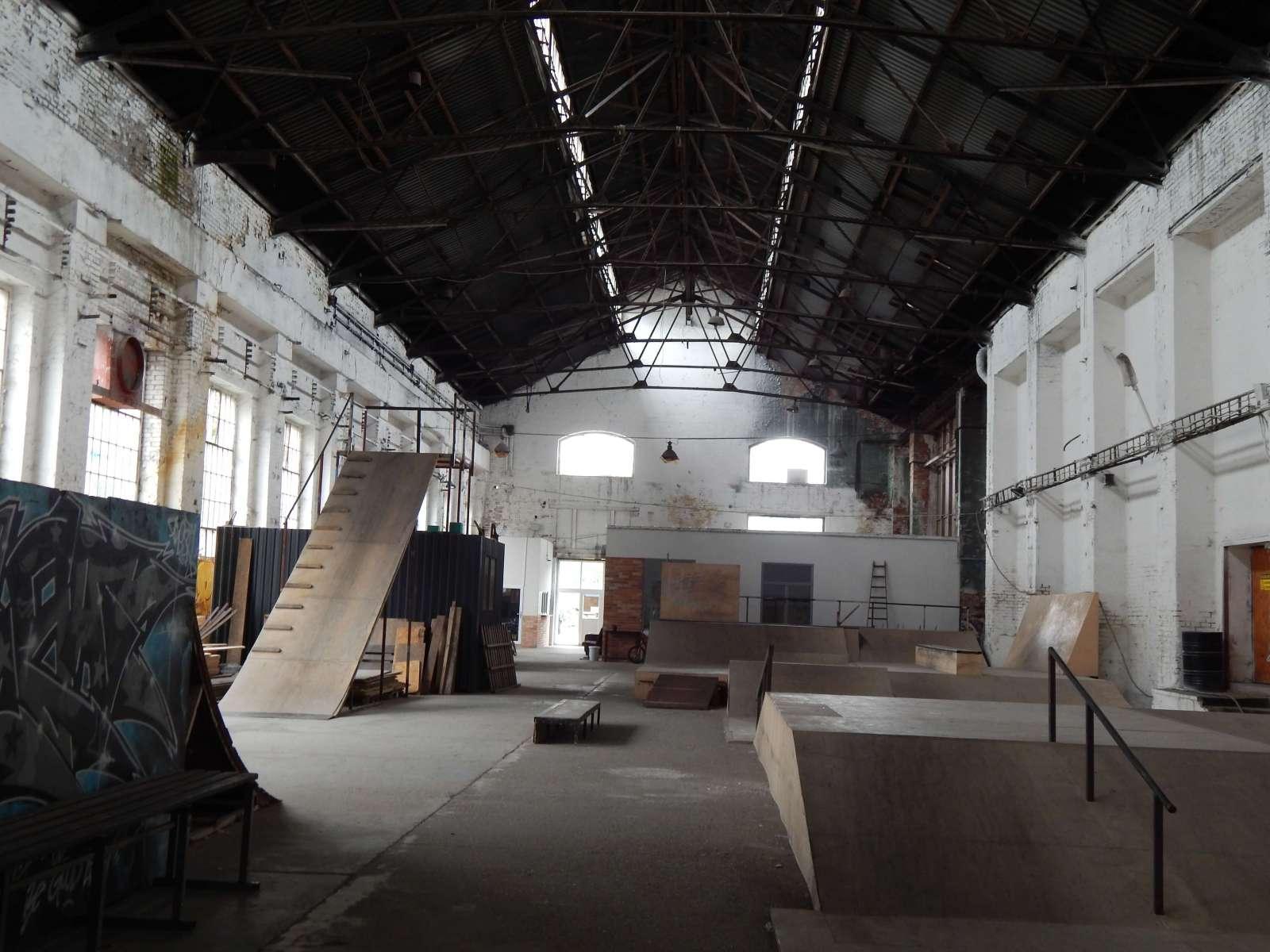 Diosgyor-Vasgyar-Csavargyar-Factory2